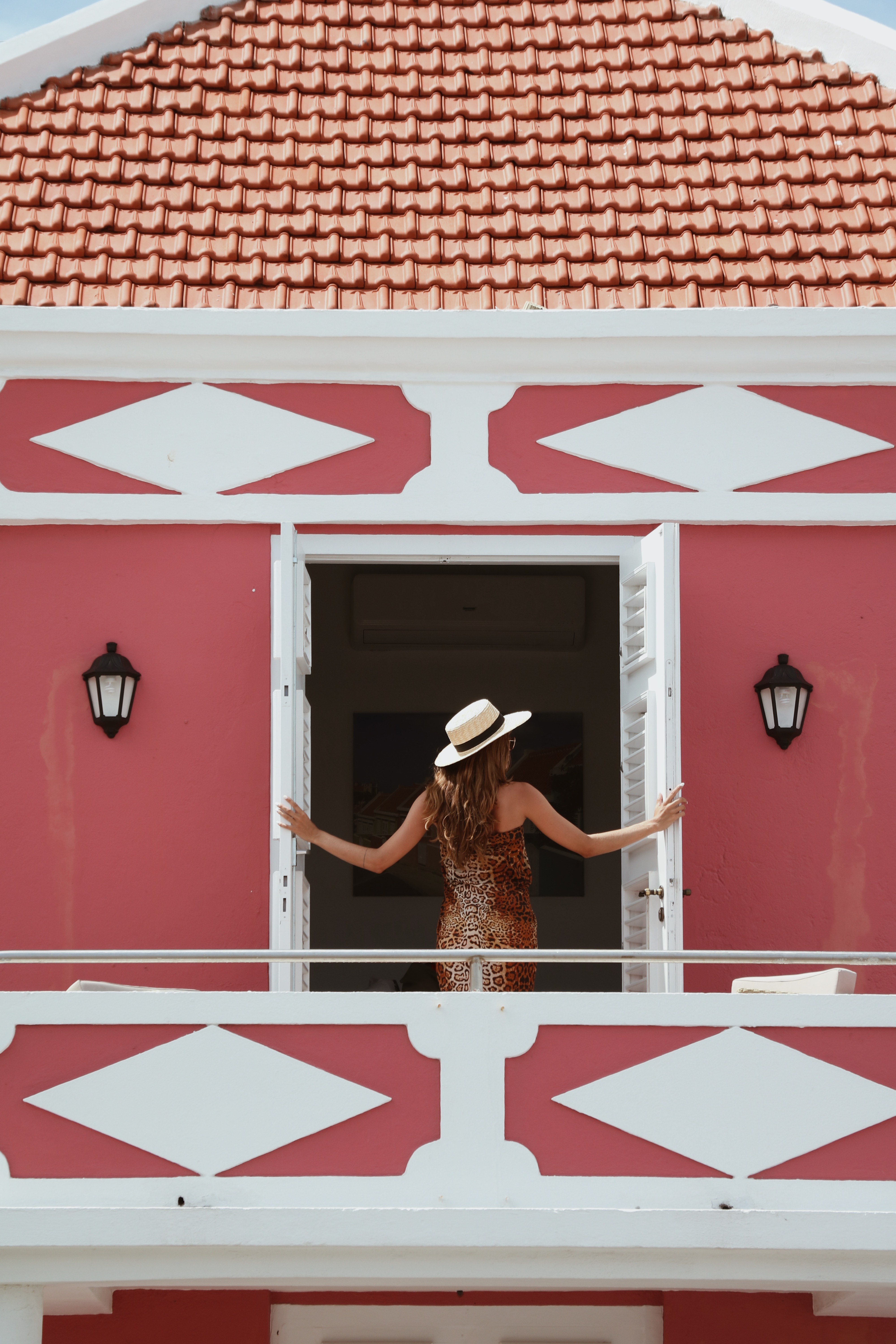 Fashion Blogger // Halo Dushi, Scuba Lodge Curacao. - www.wordsthroughtheeyes.com